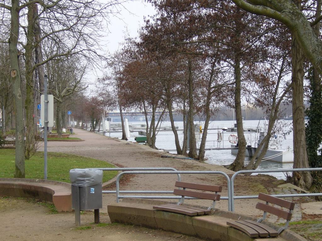 Griesheimer Mainpromenade