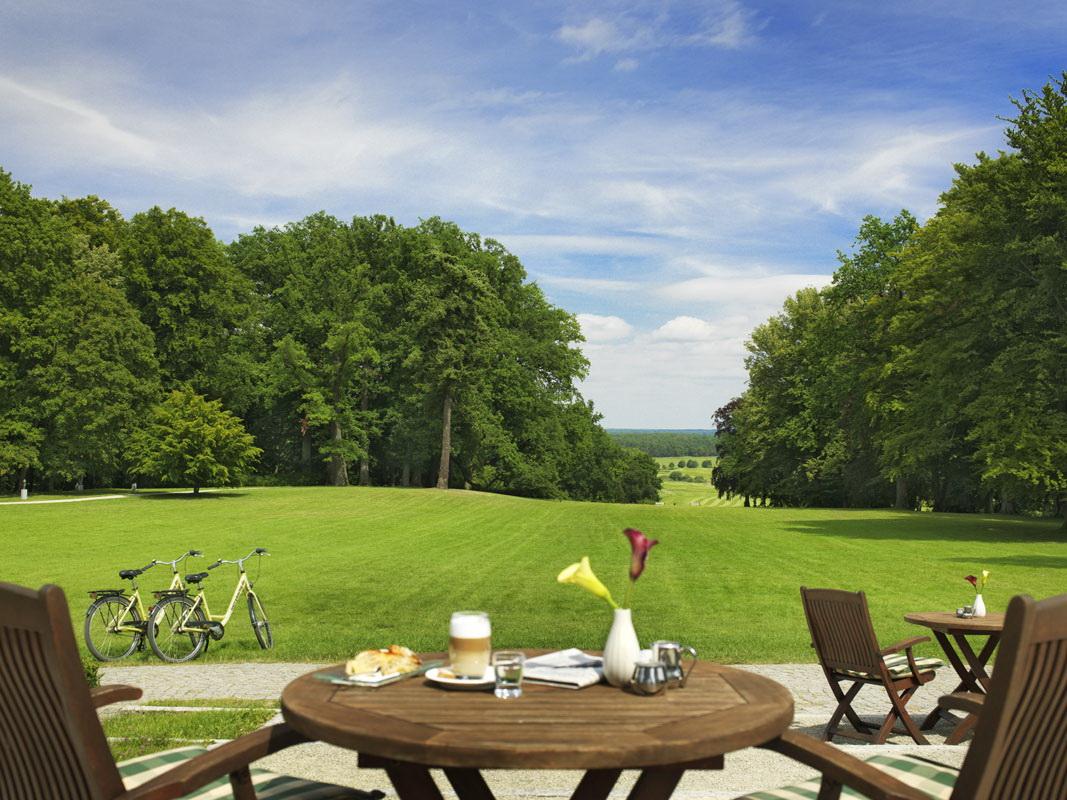 Radfahren, Wandern, Golfen ... Foto: Radisson Blu Resort Schlosshotel Fleesensee
