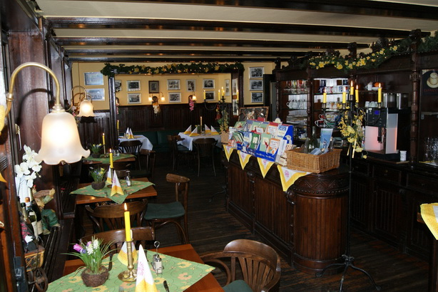 Rustikale Atmosphäre im Restaurant Foto: Hotel Stoffes