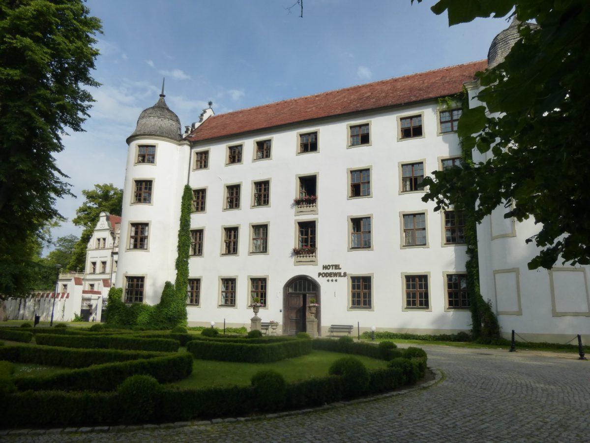 Ritterschloss in Pommern - Hotel Schloss Podewils in Krangen (Krag)