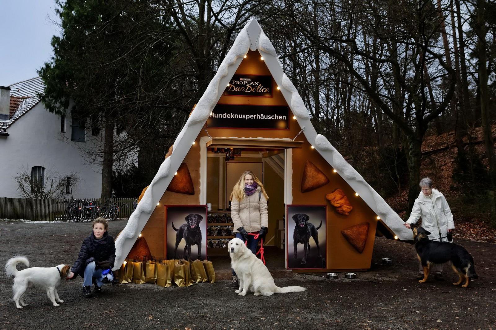Überdimensionales Hundeknusperhäuschen Foto: Monique Wuestenhagen, PRO PLAN