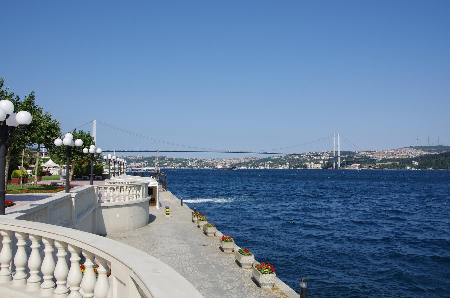 Istanbul: Entspannen am Bosporus nach dem Basar-Besuch
