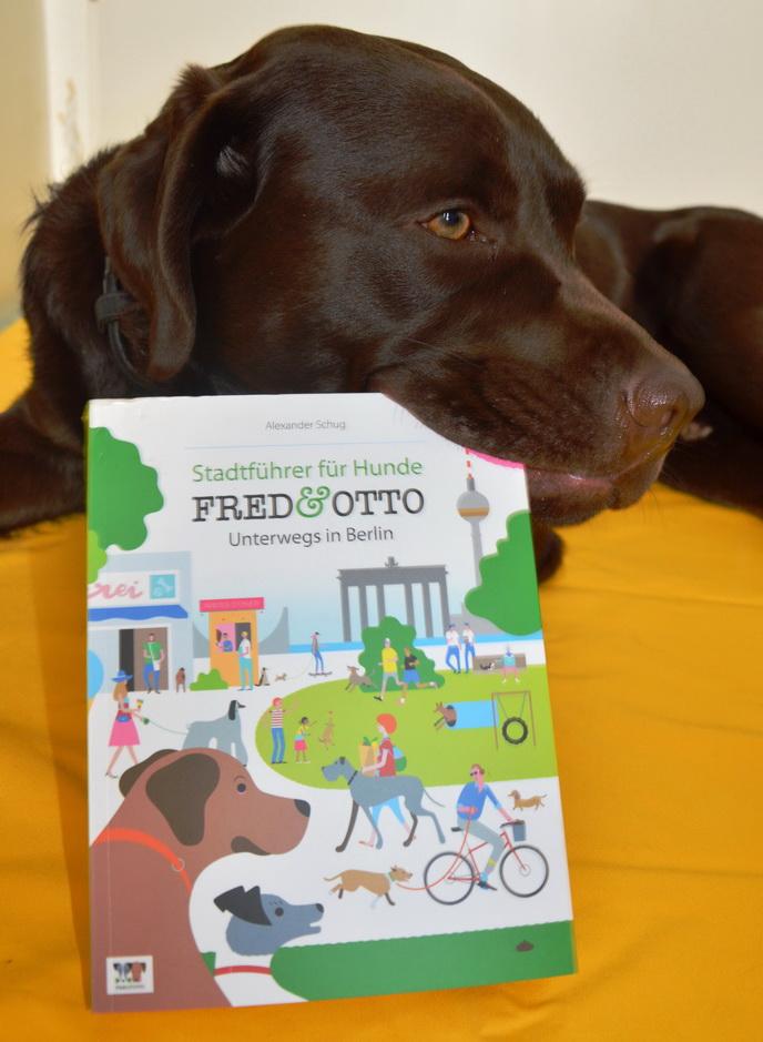 Otto hat den Stadtführer für Hunde zum Fressen gern_klein