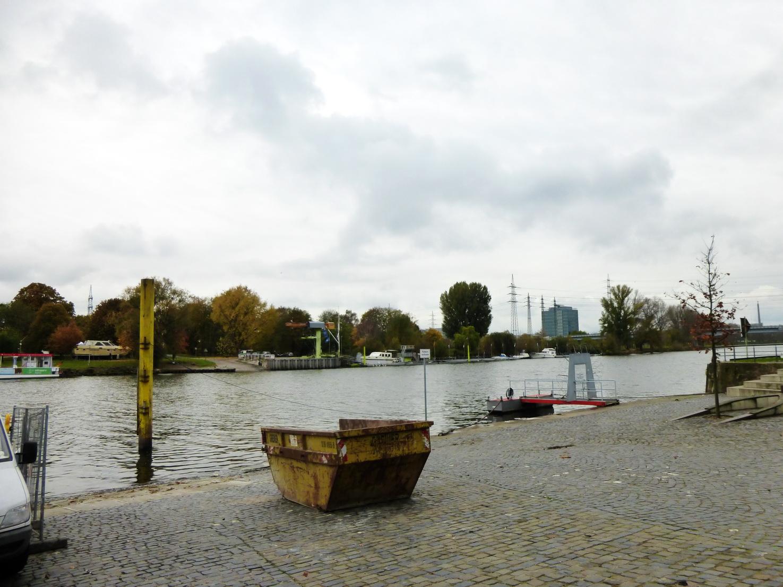 1111 Frankfurt 1