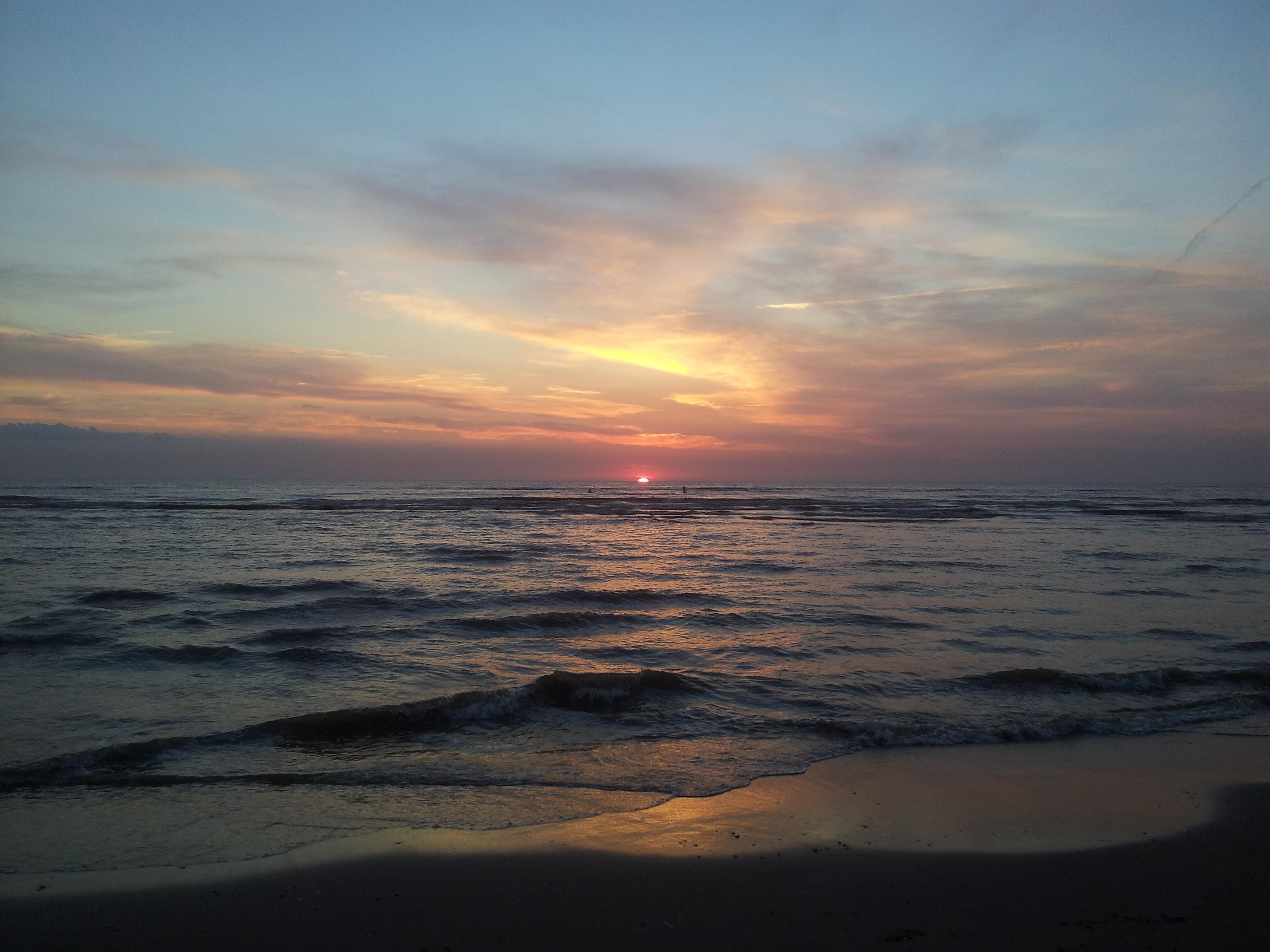 0412 Sonnenuntergang in Zandvoort - Der Yorkshire Terrier Blog