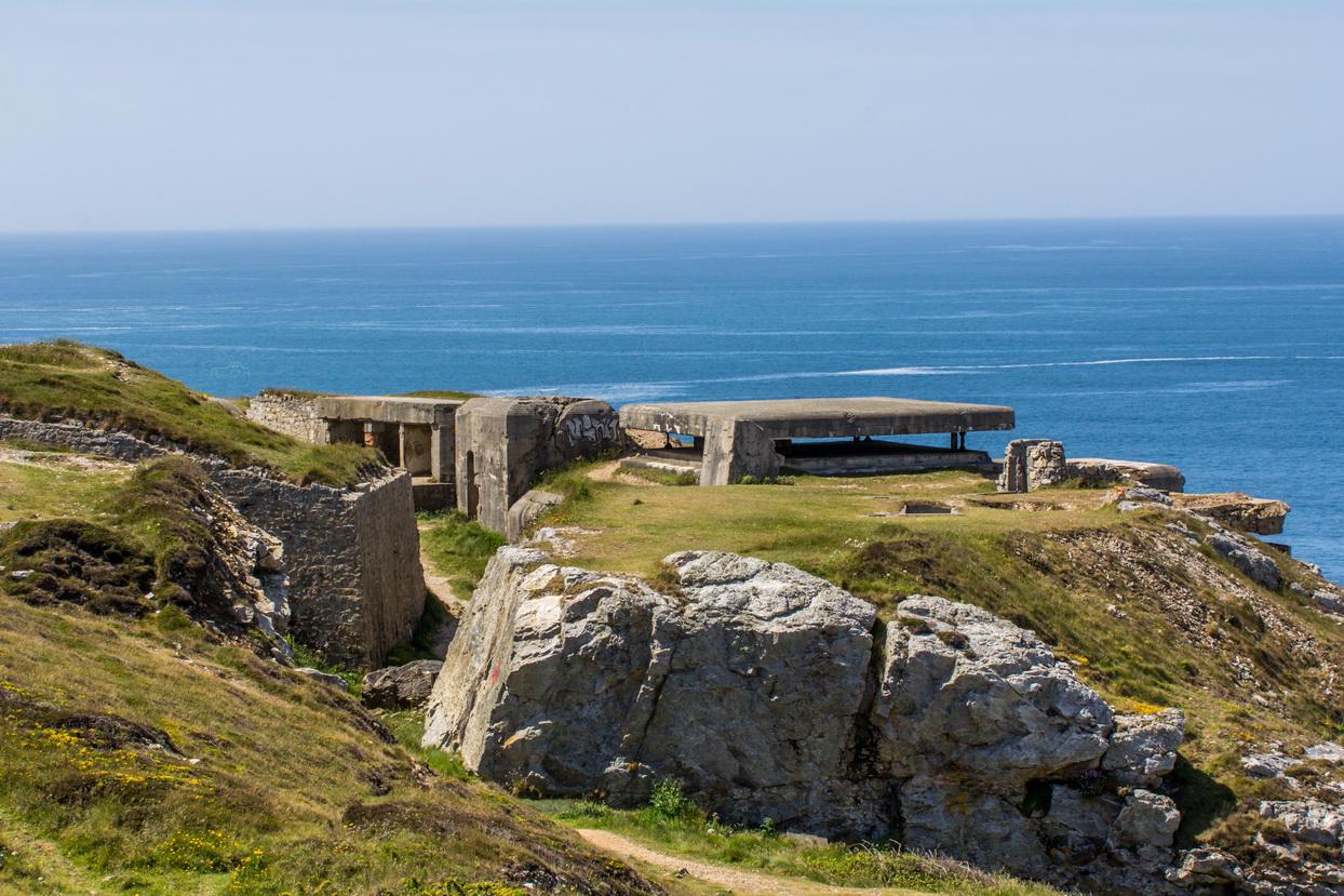 Halbinsel Crozon in der Nähe von Anse de Pen Hat in der Bretagne