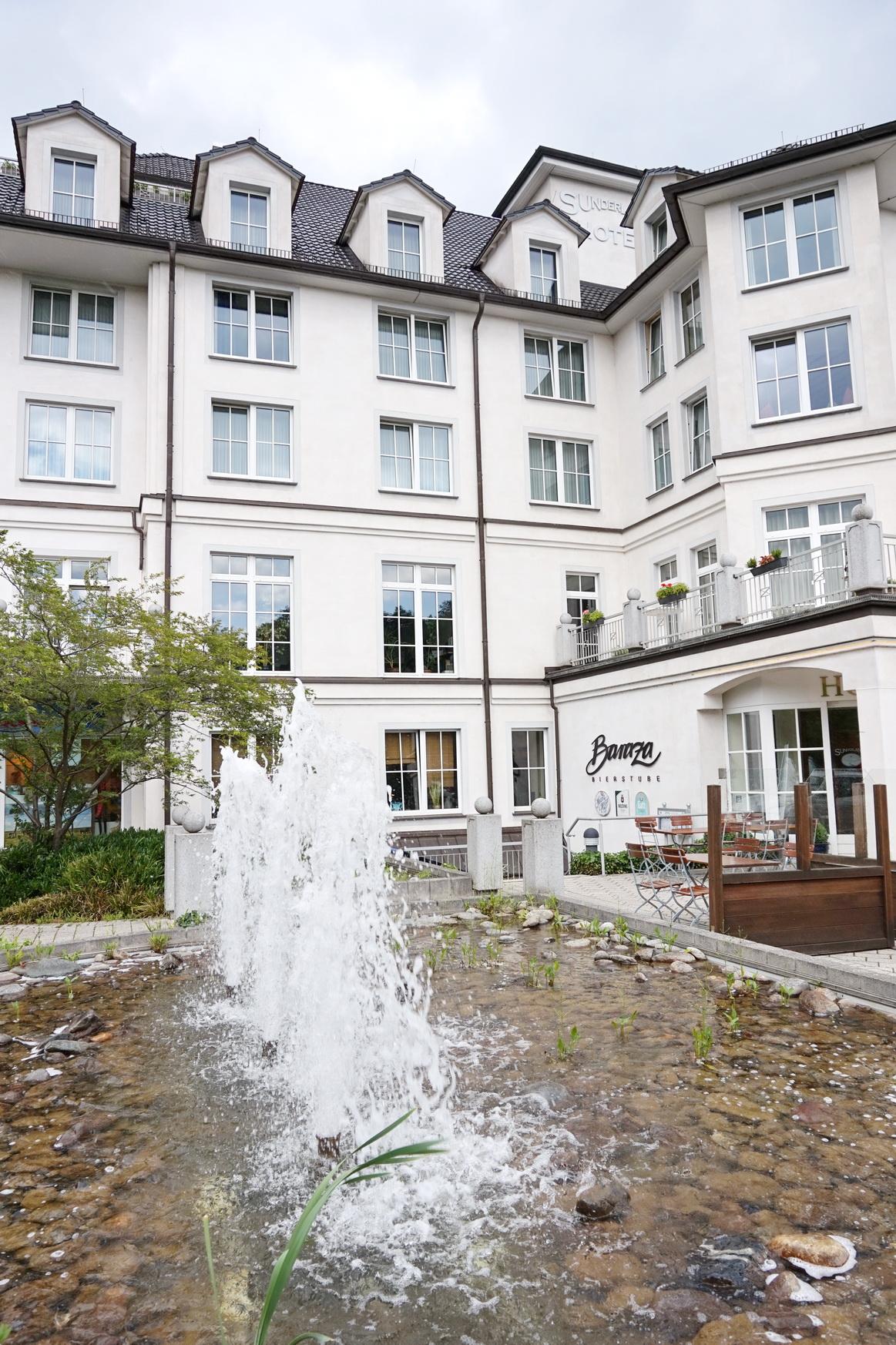 Außenansicht Sunderland Hotel in Sundern im Sauerland