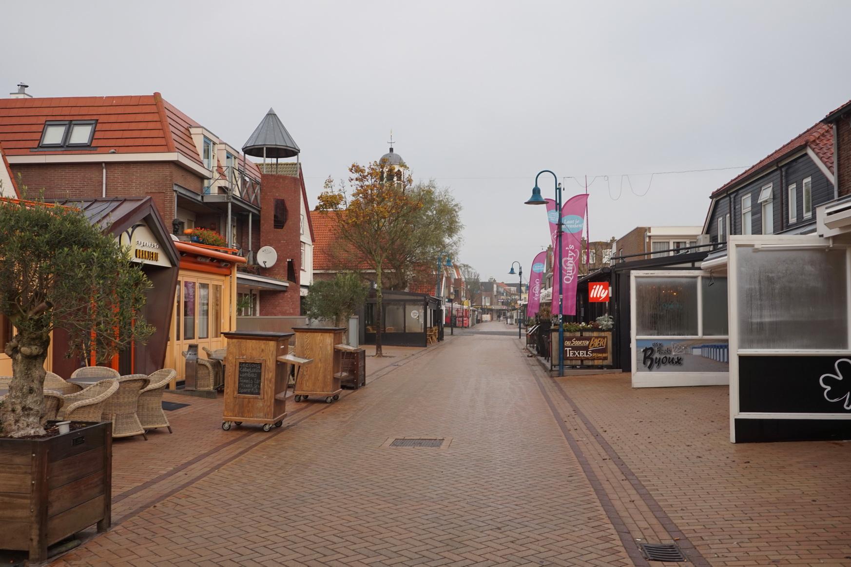 Sonntagmorgen um 8 Uhr ist auch in De Koog tote Hose ...