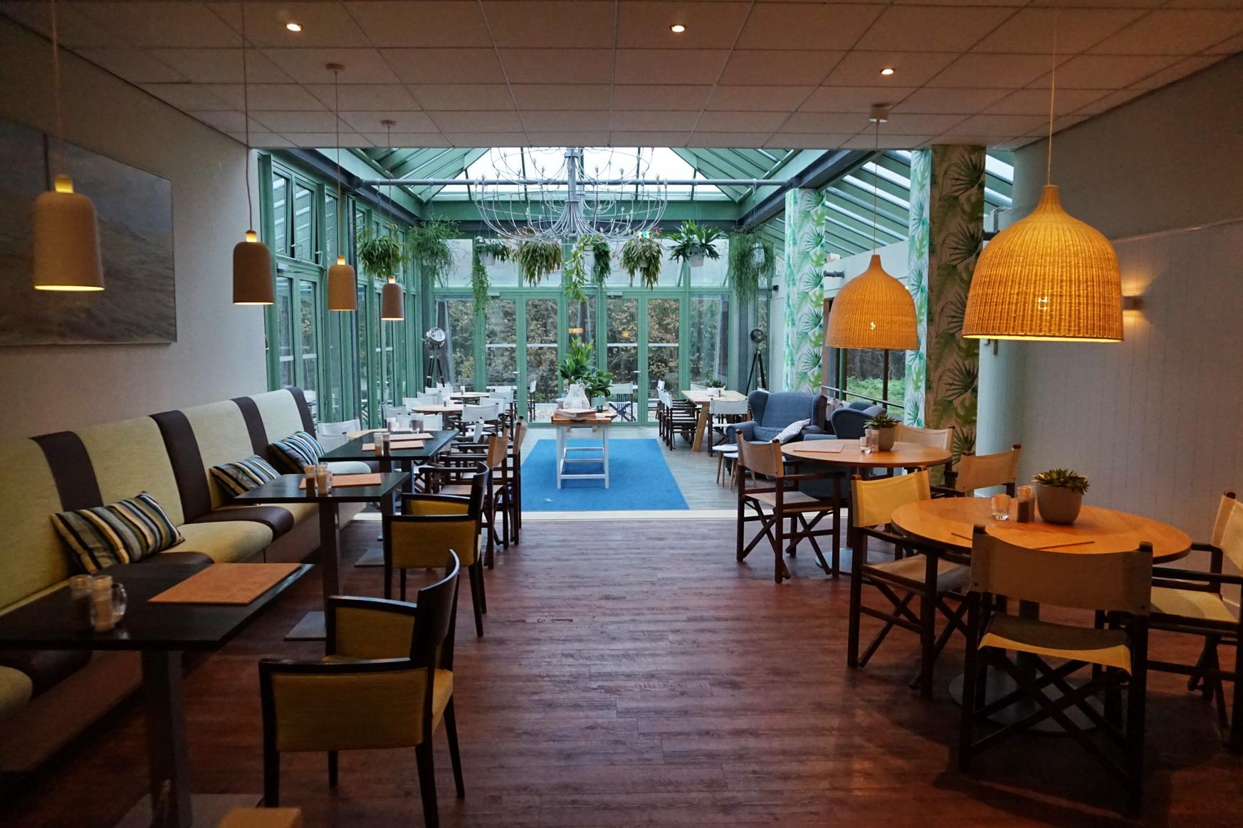 Nein, das ist nicht das Restaurant Opduin, sondern die Brasserie, wo wir mittags geluncht haben ...