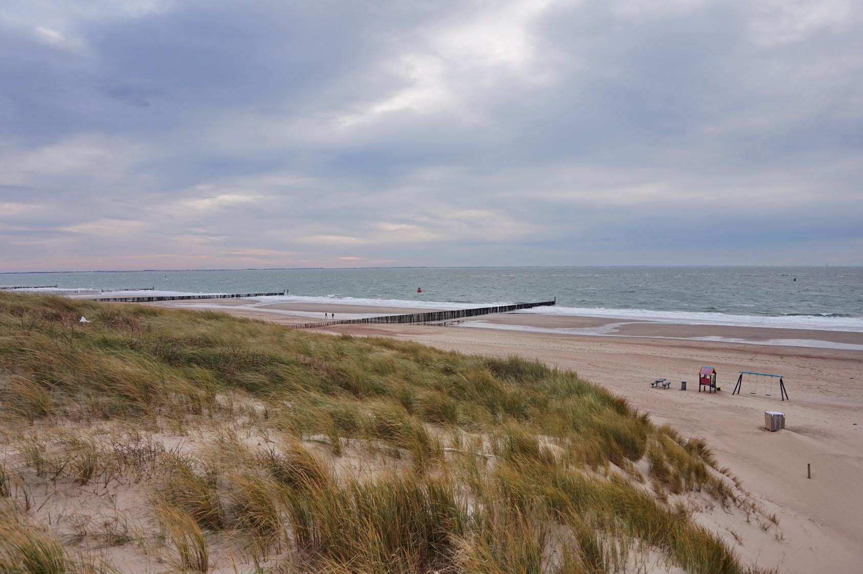 Nur noch wenige Schritte trennen uns vom Nordseestrand.