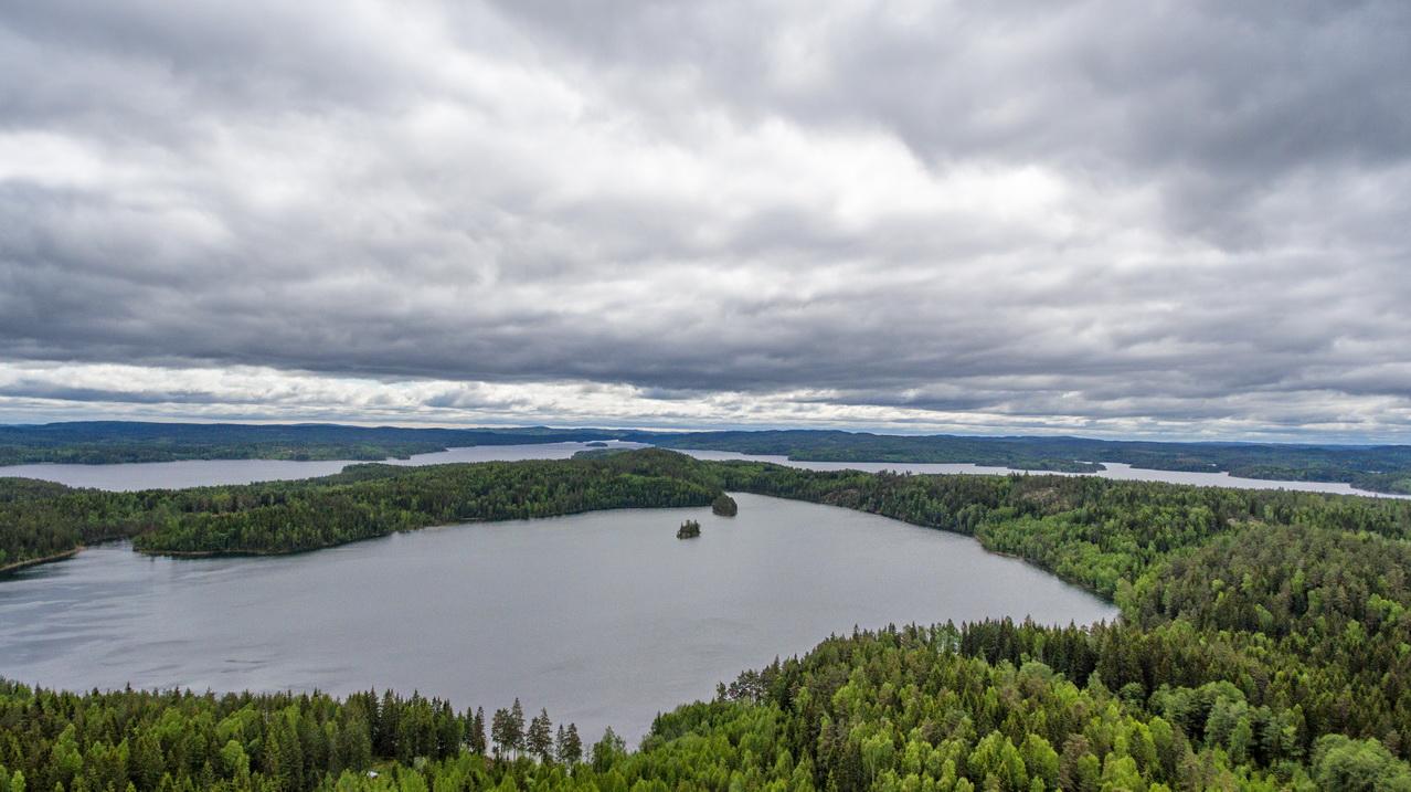 Der kleine und (im Hintergrund) der große See