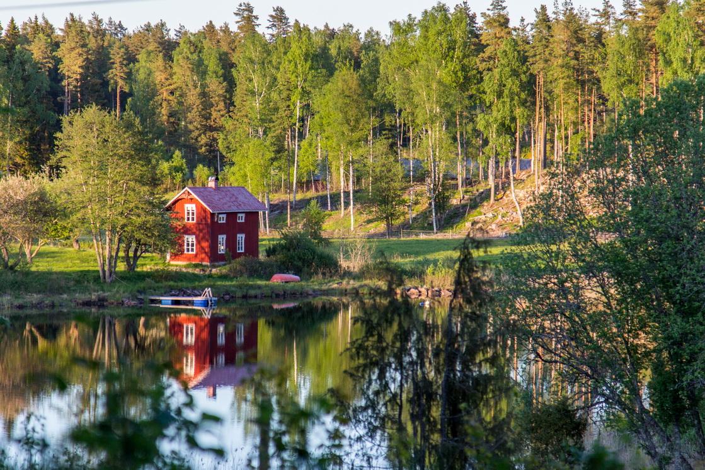 Das rote Haus am See