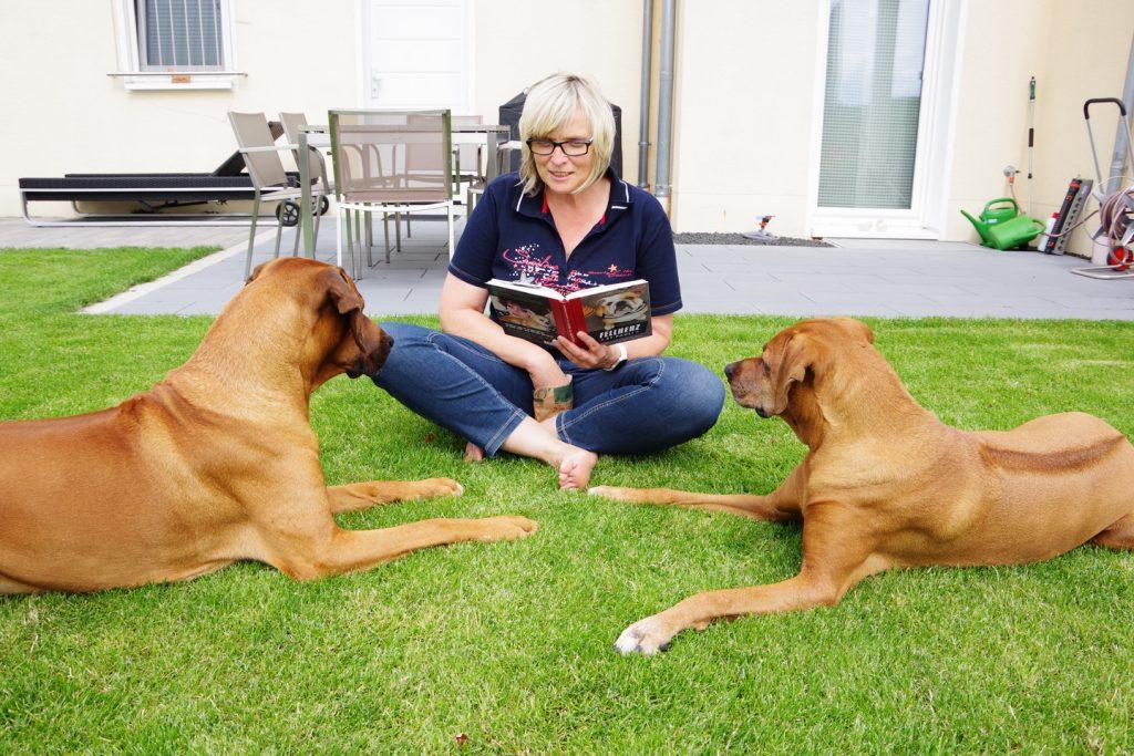 21 Hundegeschichten und eine Buchverlosung