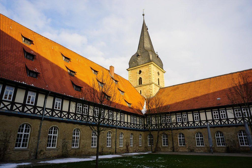 Schönes Hotel hinter ehrwürdigen Klostermauern