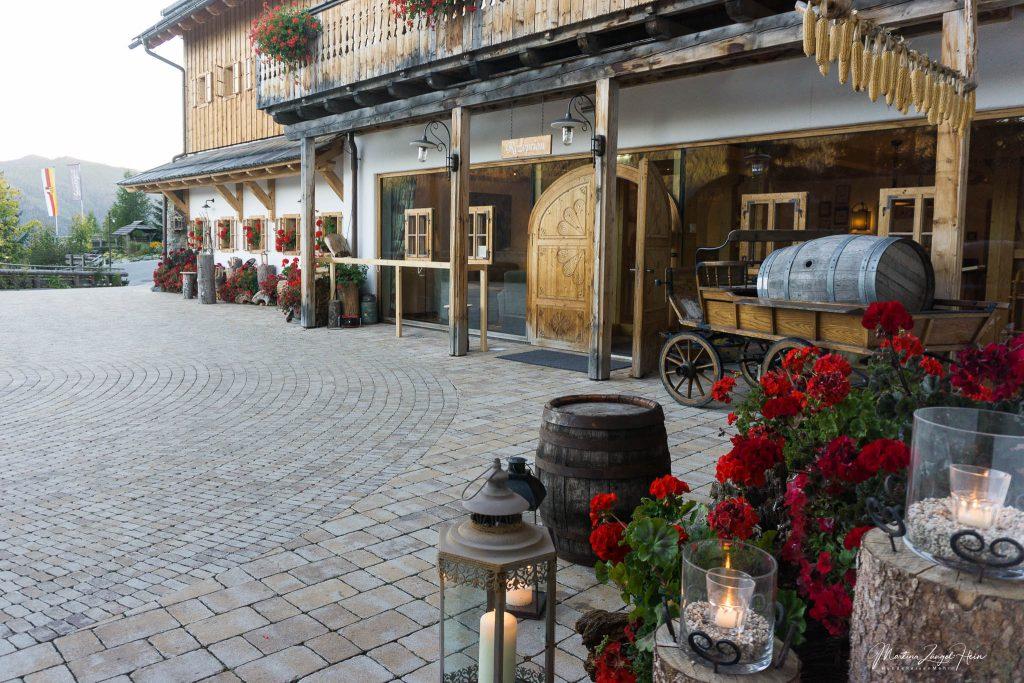 Im Kärntner Bauernhaus befinden sich Rezeption, Hotelladen, Restaurant und Veranstaltungsräume