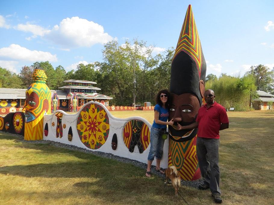 Pasaquan - Kunst und Kultur mit Hund