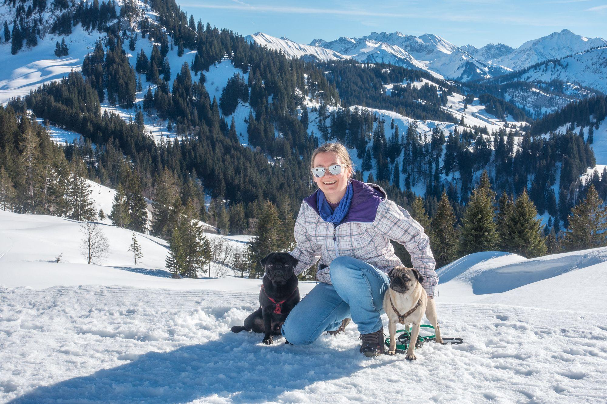 Sarah, Maja und Max - Wandern mit Möpsen
