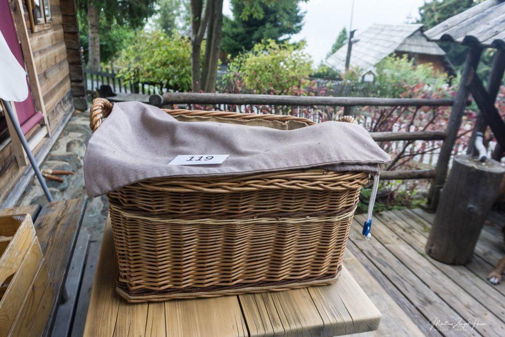 Morgens stehen dann schon die frischen Handtücher vor der Tür
