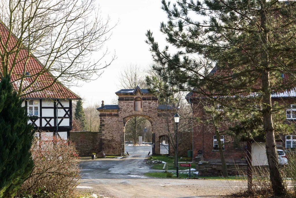 Das Haupttor zum Klostergut