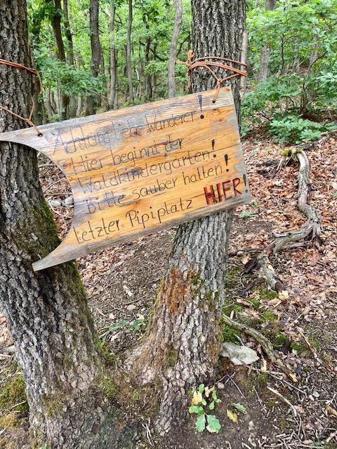Letzter Pippi-Platz vor dem Waldkindergarten.