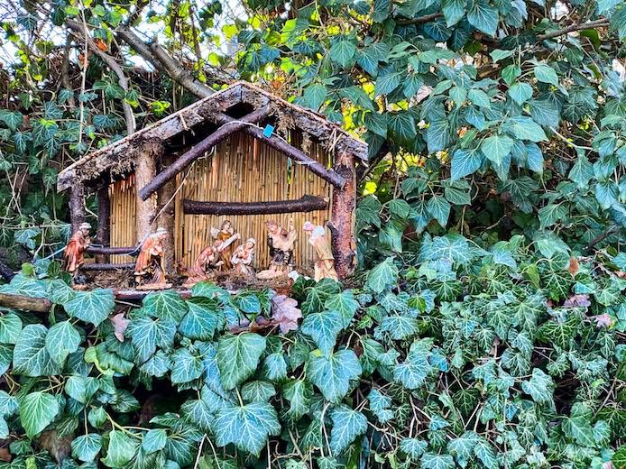 Die Weihnachtkrippen am Ortsrand von Montabaur sind deutlich kleiner als die auf der ersten Etappe