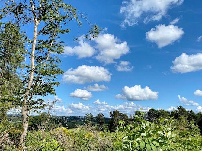Von hier aus hat man einen herrlichen Blick über den Westerwald