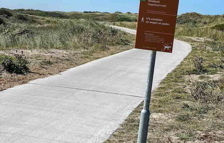 Auf Ameland gibt es mehr als 100 Kilometer gut ausgebaute Fahrradwege